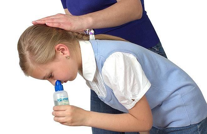 Как и чем промывать нос при насморке в домашних условиях