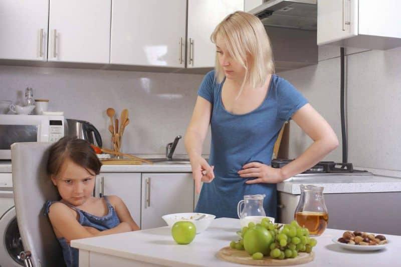 Ребенок не ест овощи: как научить малыша питаться с пользой?