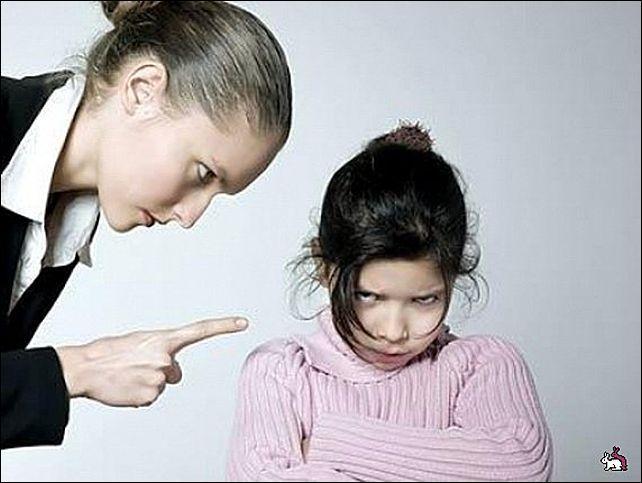 Чужой ребенок обижает твое чадо, а его родители никак не реагируют. как сделать замечание чужому ребенку, чтобы не спровоцировать конфликт?