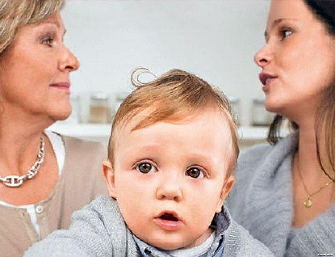 7 глупых советов молодой маме от посторонних