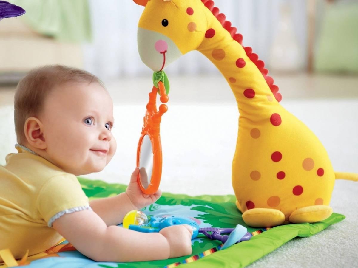 Какие игрушки нужны в 1 месяц?