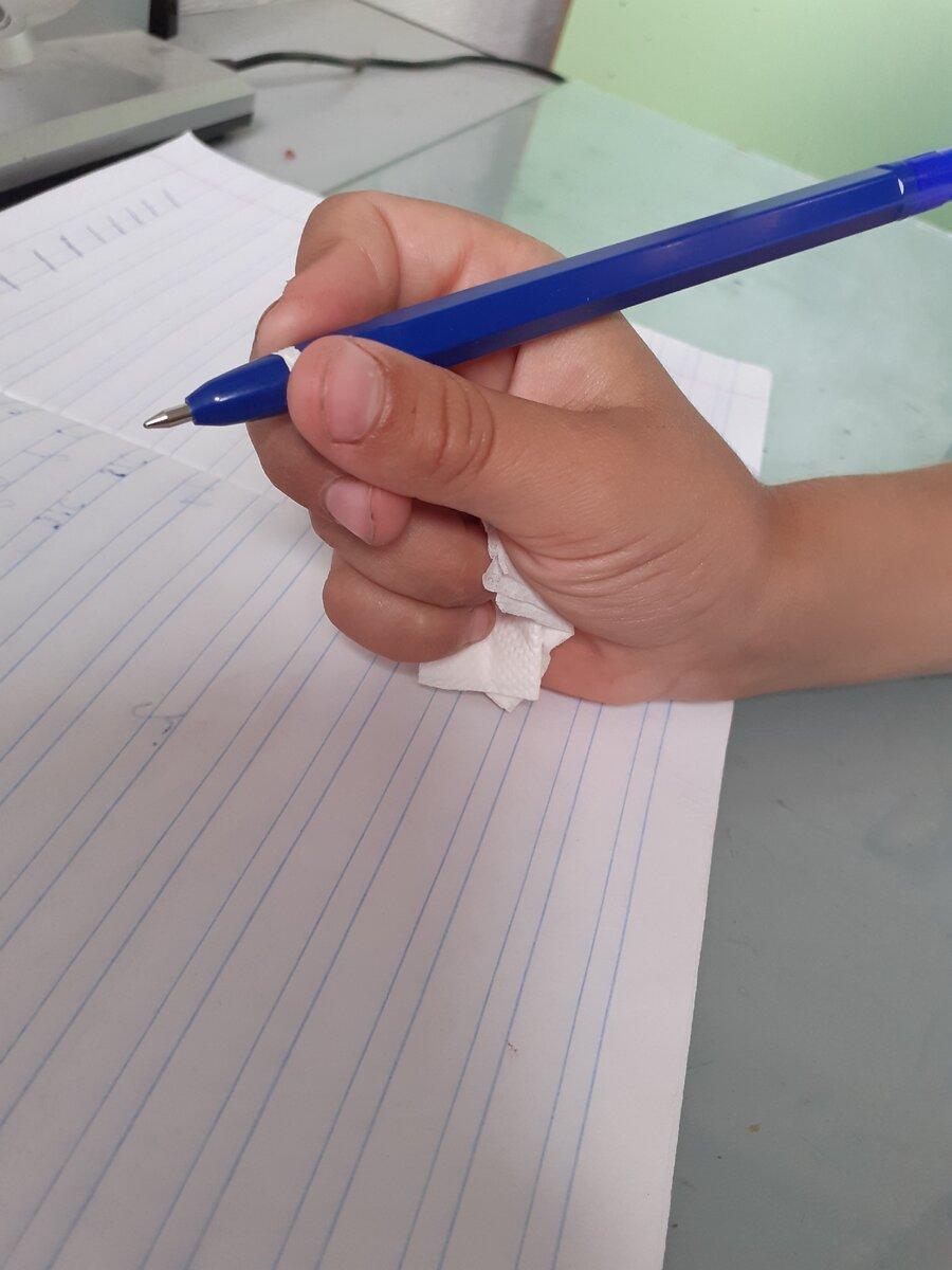 Как правильно держать ручку при письме и почему возникают ошибки