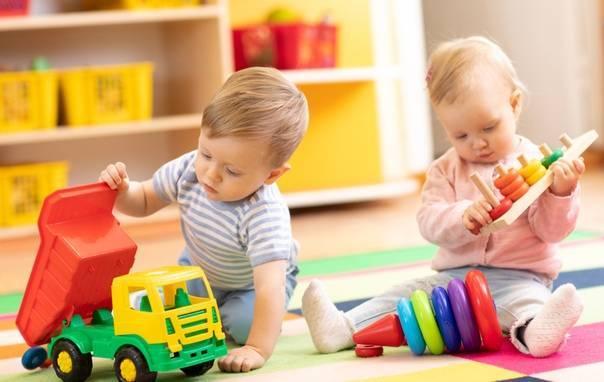 Зачем детям игрушки: 7 важных функций для развития