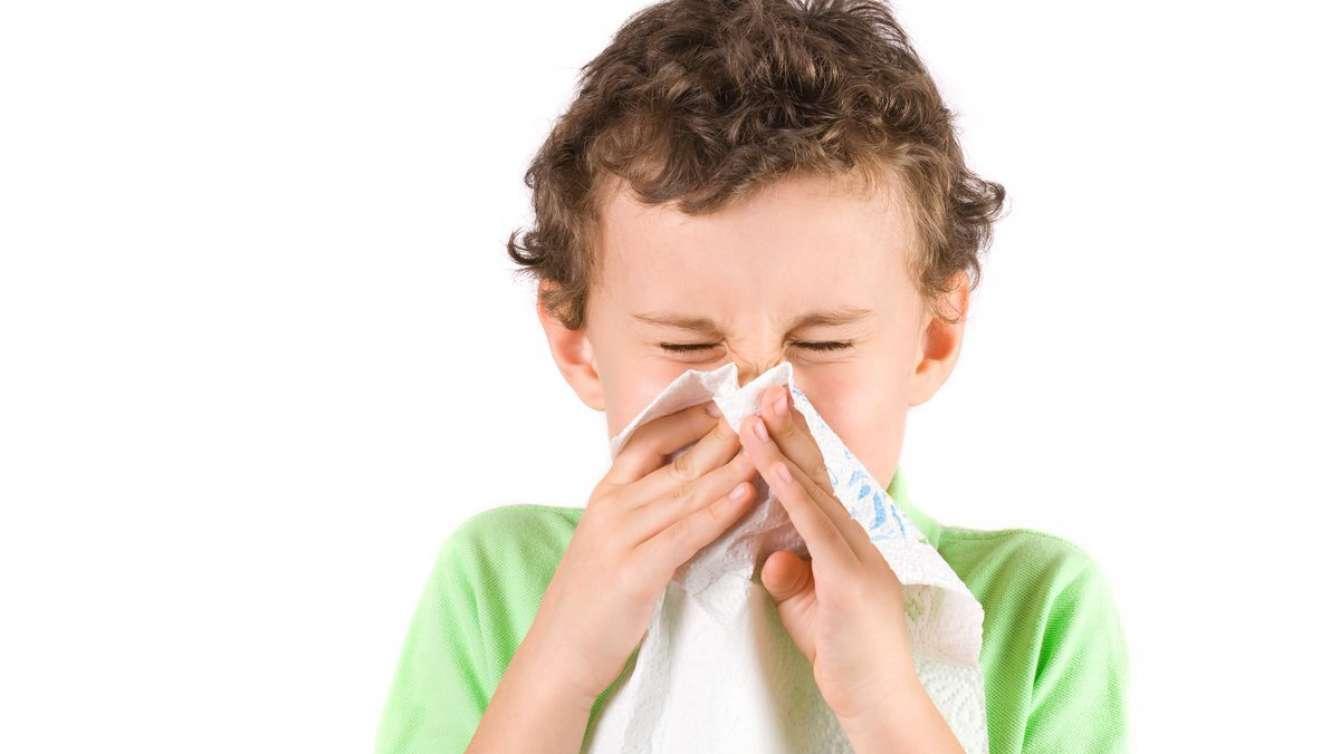 Лающий кашель у ребенка без температуры с насморком ночью