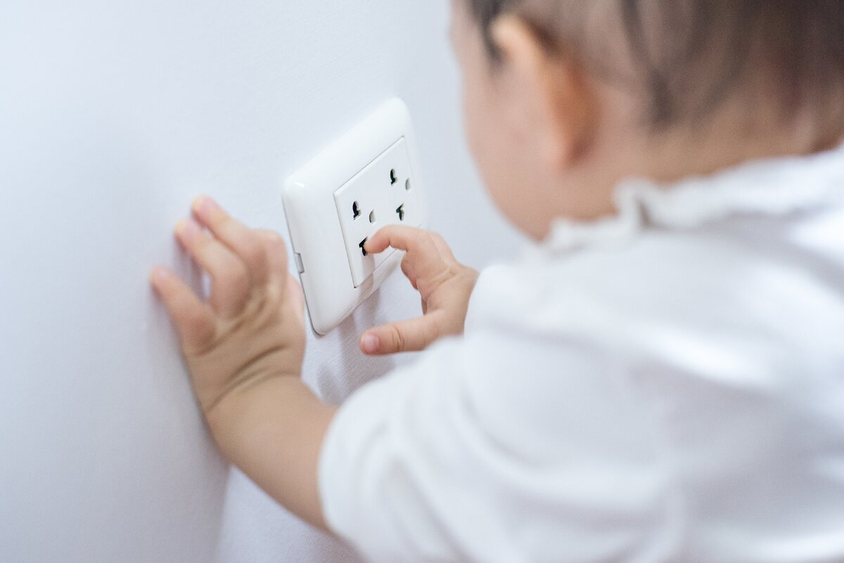 Как обезопасить ванную комнату для ребенка: 5 простых советов