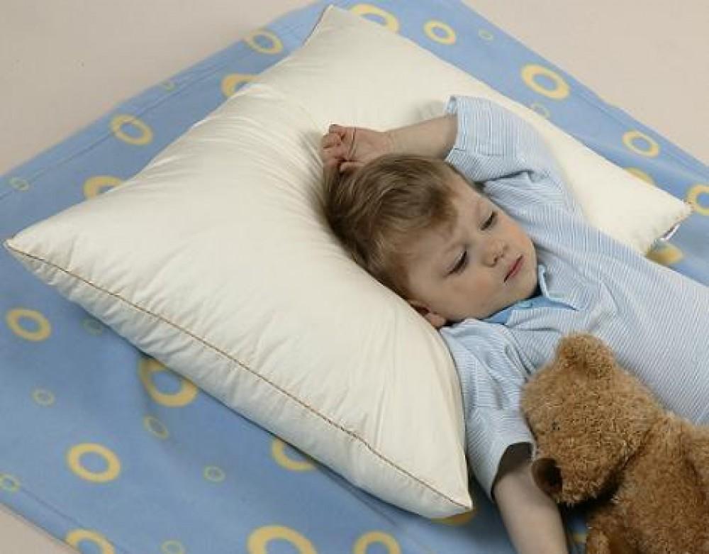 Доктор комаровский о том, с какого возраста нужна подушка ребенку