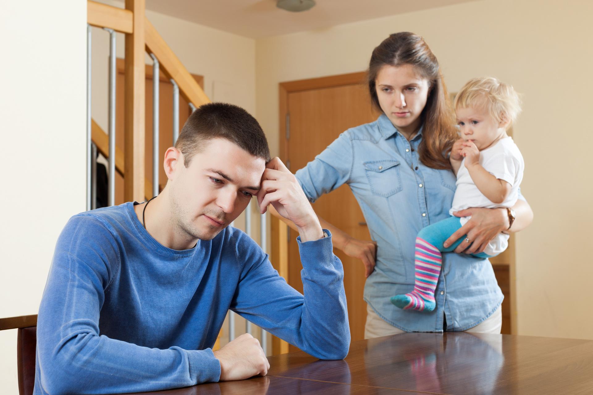Отказ от отцовства в добровольном порядке: последствия, порядок - как отказаться от отцовства по обоюдному согласию без суда