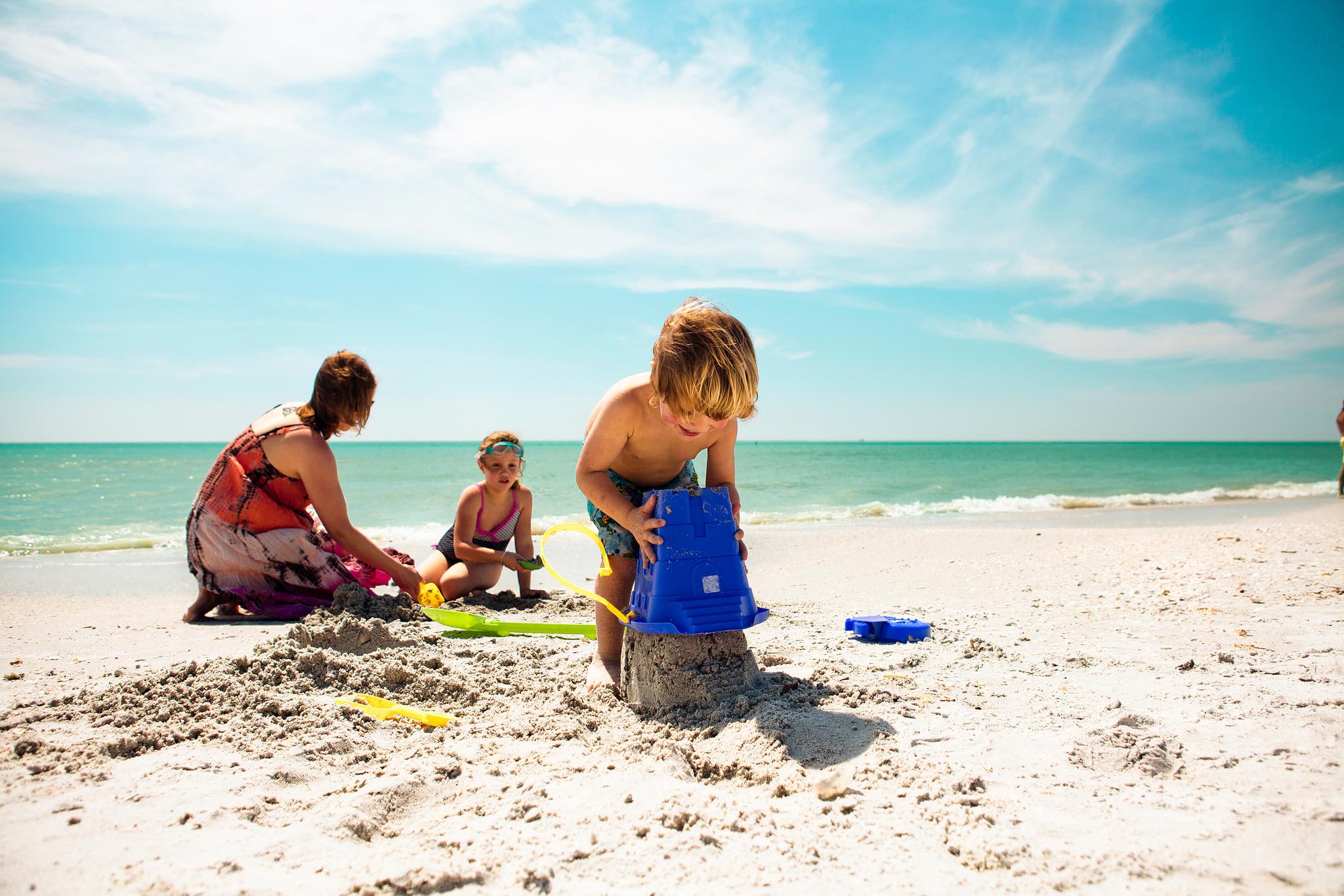 Что взять на море ☀ с ребенком, какие лекарства, еду, брать на отдых ☀ если собираетесь на море