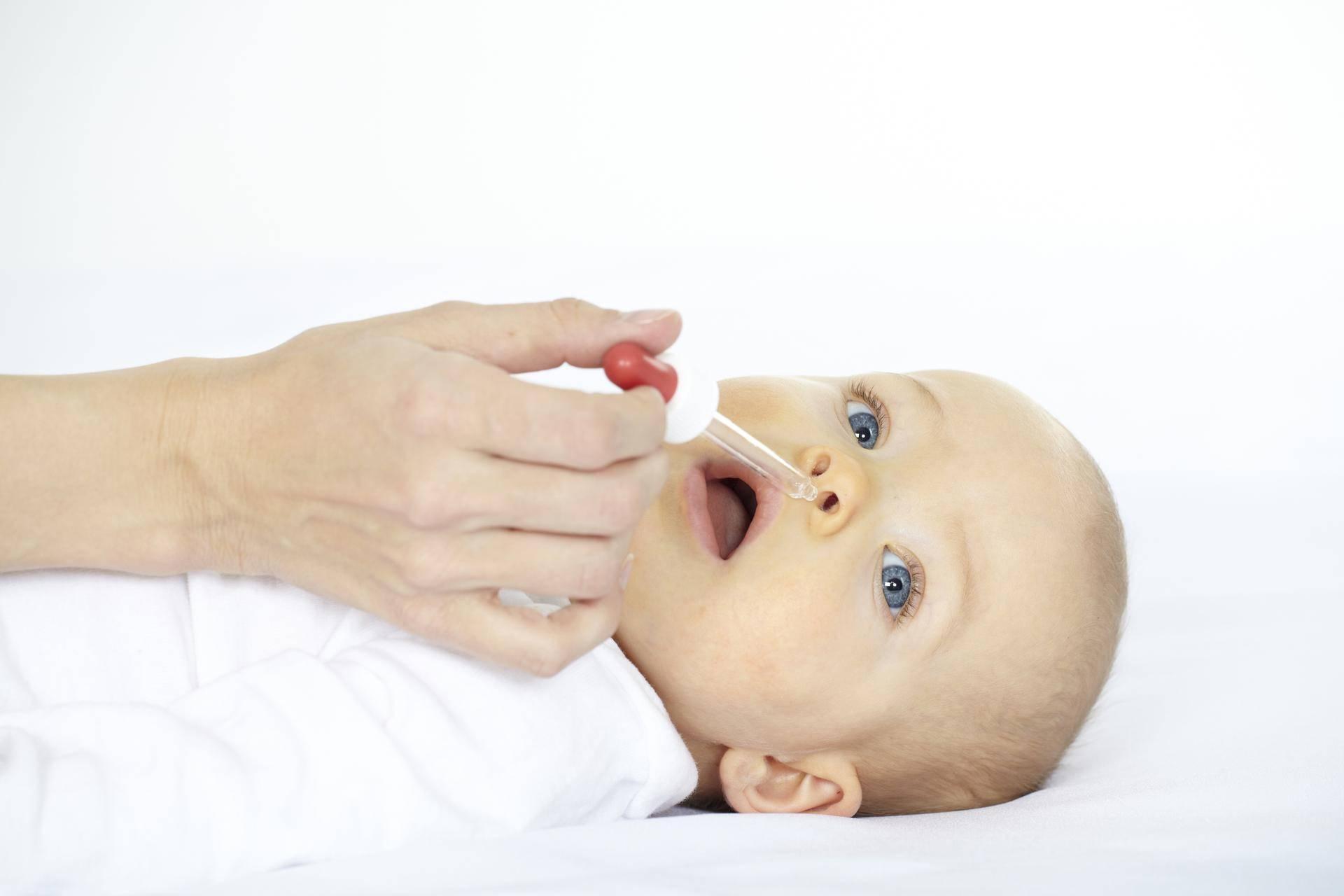 Как капать капли в нос новорожденному? | медик03