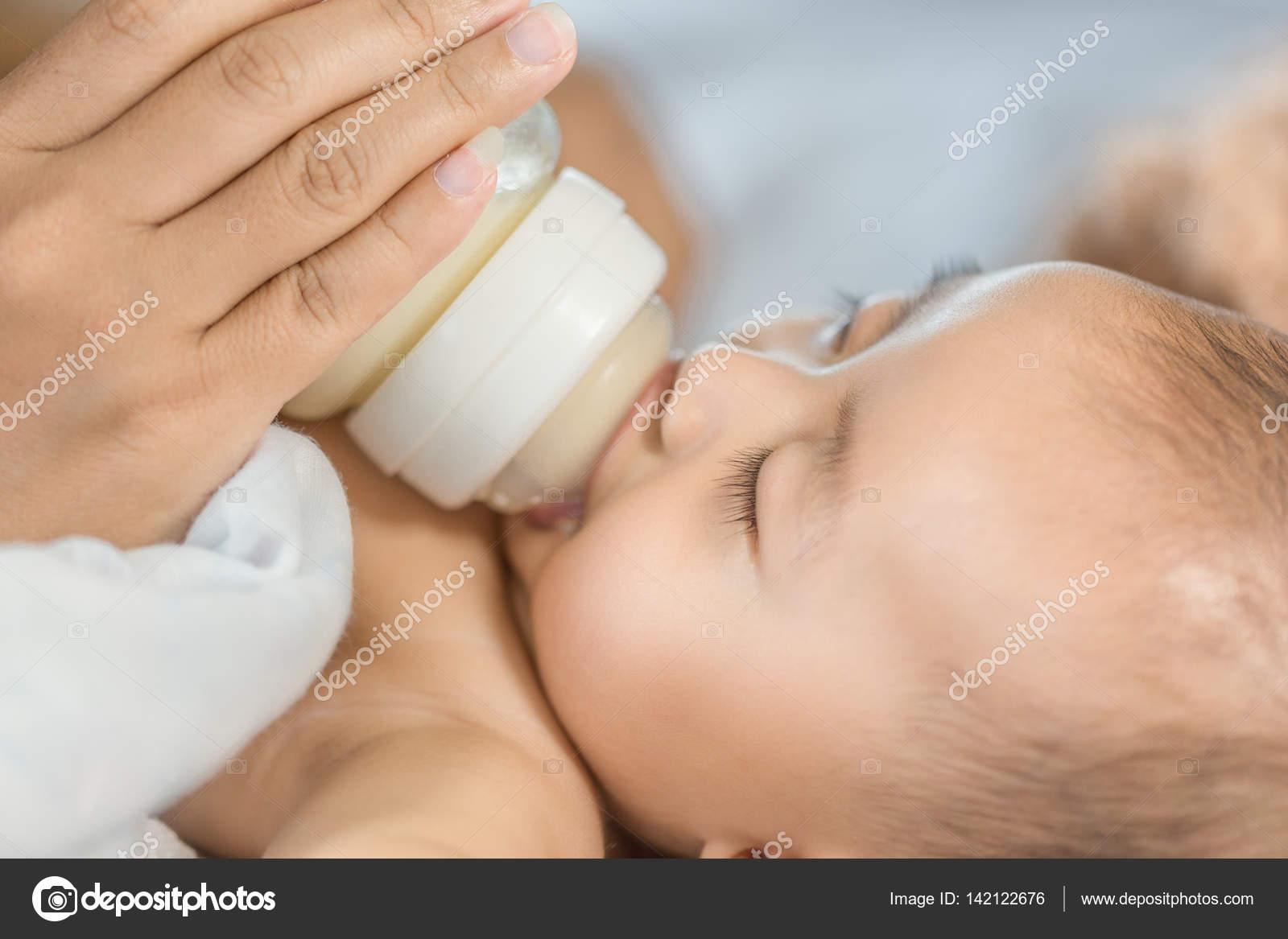 Донорское грудное молоко для ребенка – новинка или хорошо забытые традиции?