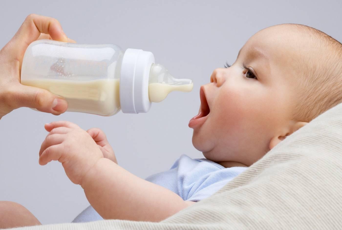 Может ли из-за грудного молока возникнуть кариес у детей - мамины новости