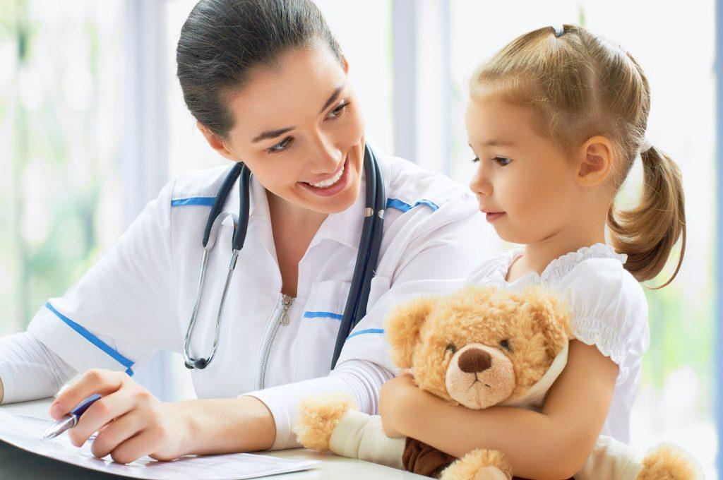 График посещения педиатра после 2 лет. календарь посещений врачей в первый год жизни ребёнка