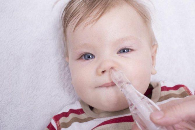 Сопли при прорезывании зубов (может ли быть насморк на зубы у детей, мнение комаровского)