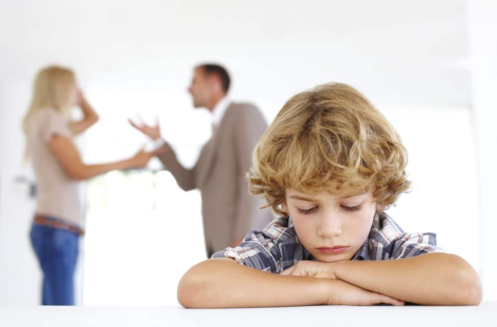 Как скандалы в семье влияют на психику детей?
