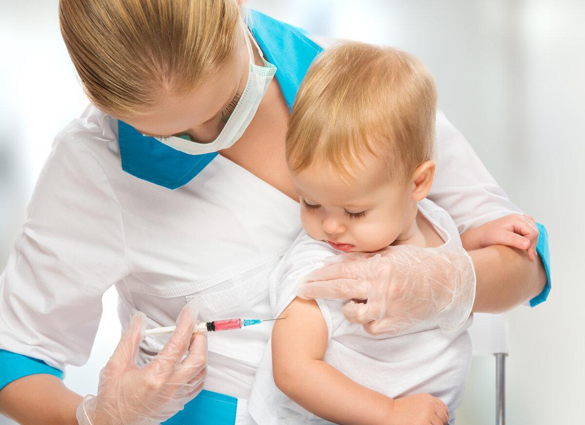 Больная тема: нужно ли делать прививки детям и что будет, если полностью отказаться от вакцинации?