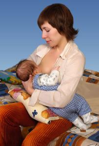 Позы для кормления новорожденных       | уроки для мам