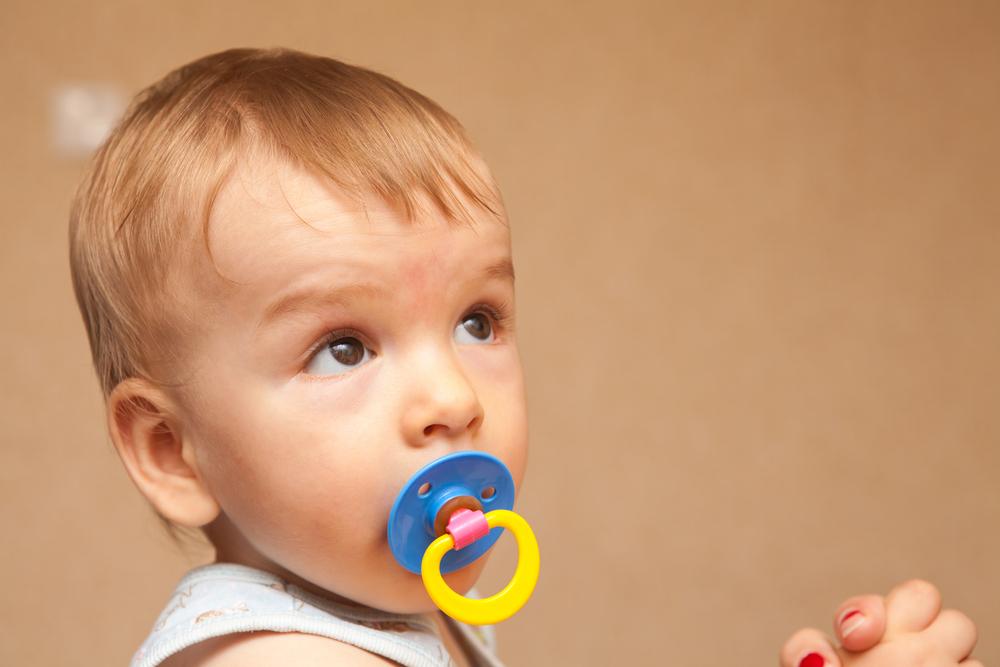 Как отучить ребенка от соски и в каком возрасте это нужно делать