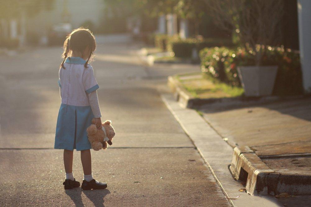 Почему ребенок  ни с кем не дружит?