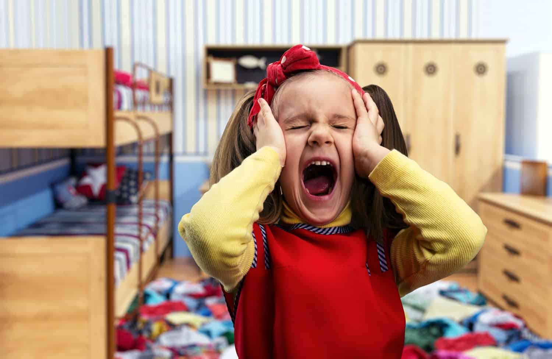 Как утихомирить ребенка во время истерики