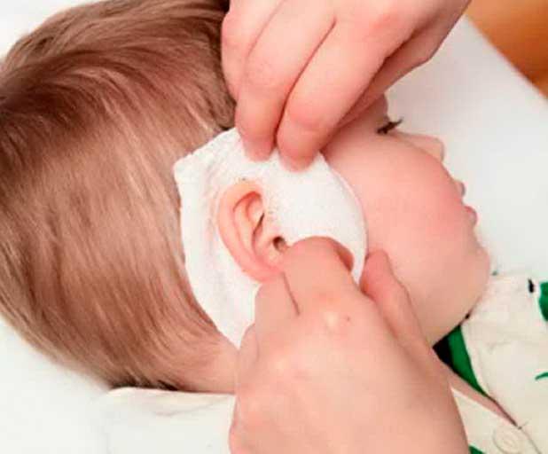 Как снять ушную боль в домашних условиях у ребенка: что делать?