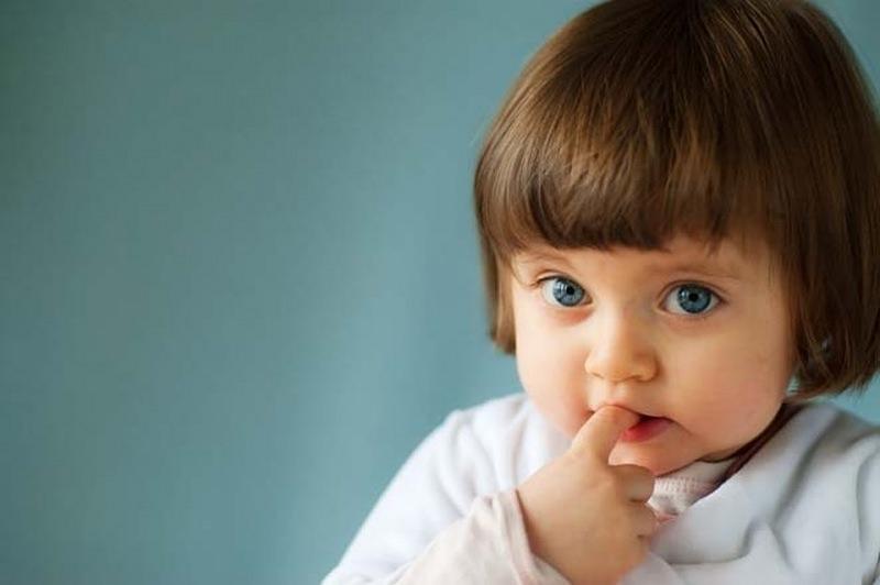 Странные привычки у маленьких детей: когда стоит беспокоиться, а когда – нет?