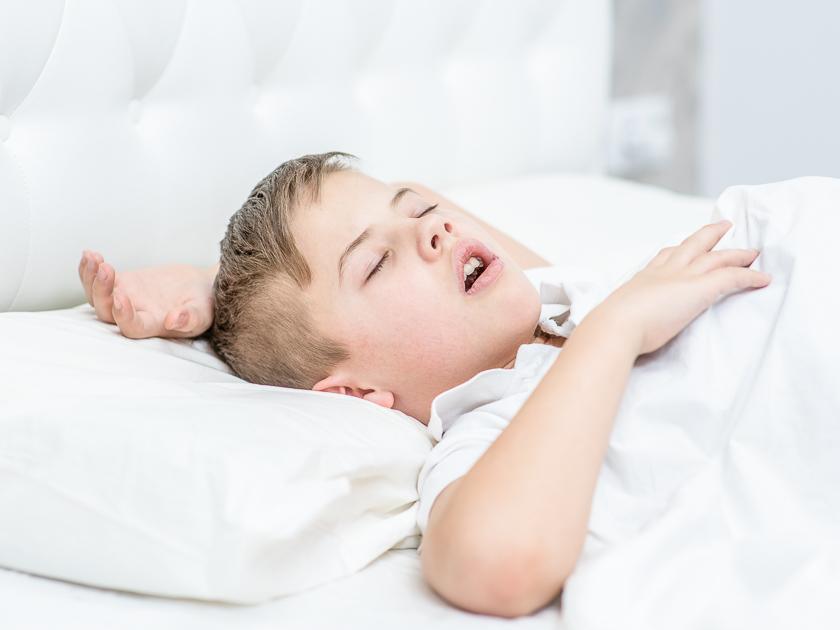 Почему ребенок храпит во сне – причины 2020