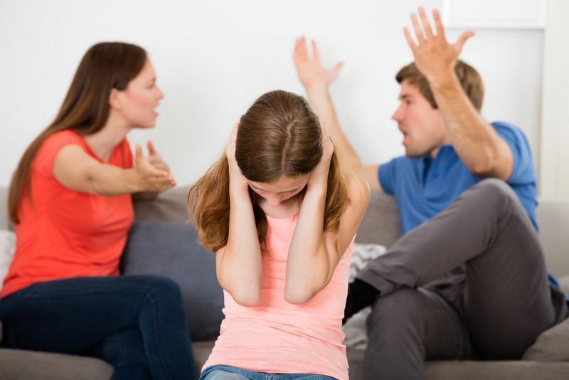 Ссора родителей при ребенке, что делать и как себя вести правильно