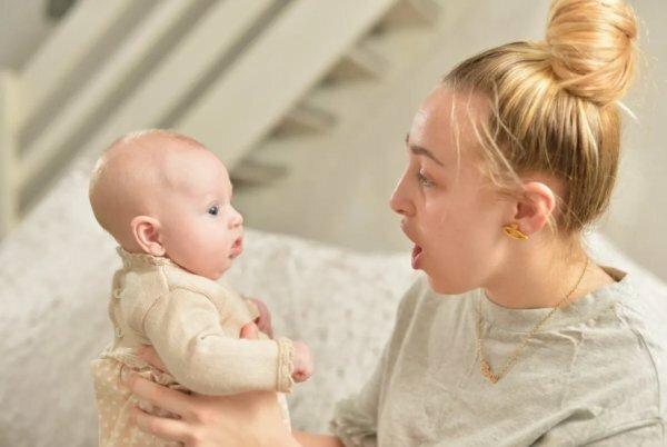 Советы по уходу за новорожденной девочкой в первый месяц   салид