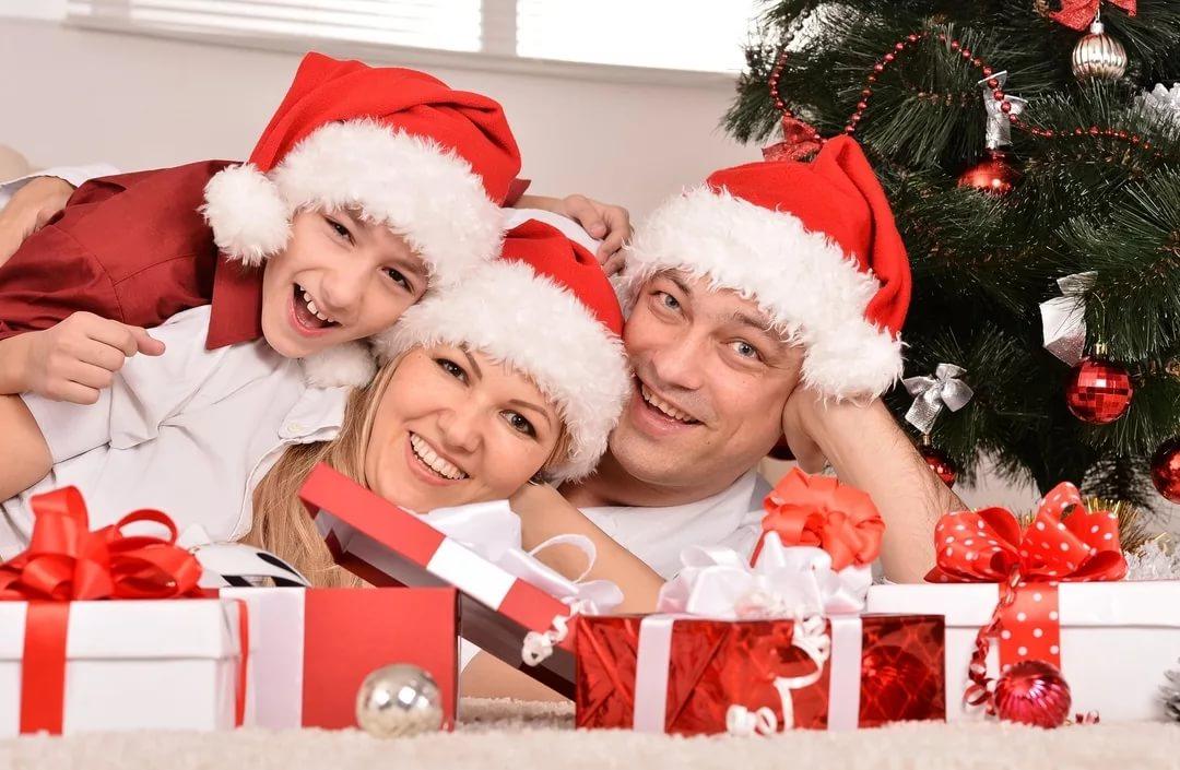 Интересные, оригинальные подарки школьникам на новый год. варианты новогодних подарков для детей школьного возраста.