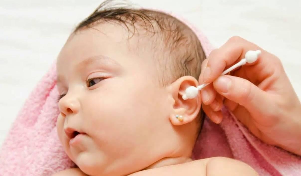 Как почистить носик новорожденному от козявок - всё о грудничках