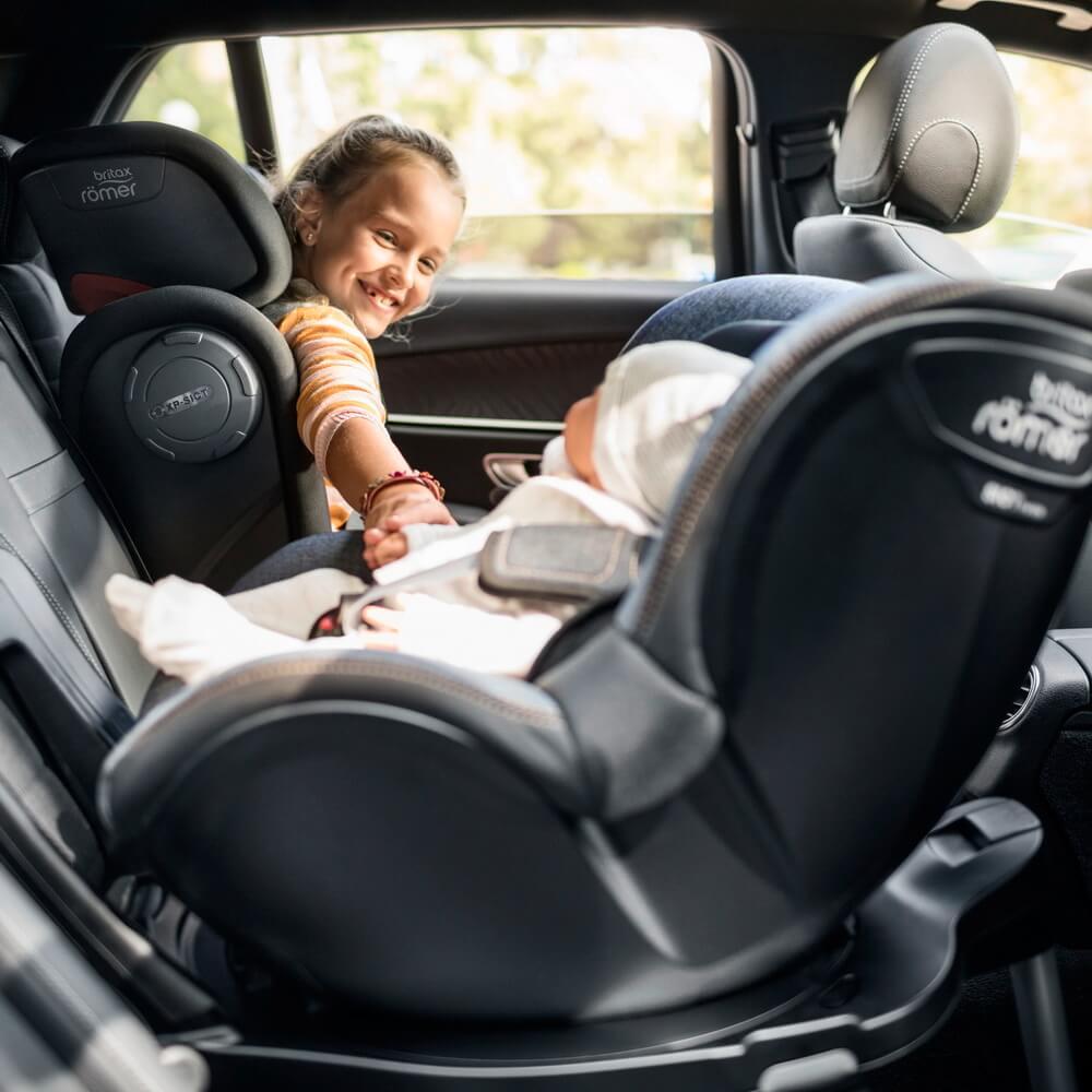 Как обеспечить безопасность малыша на разных этапах развития