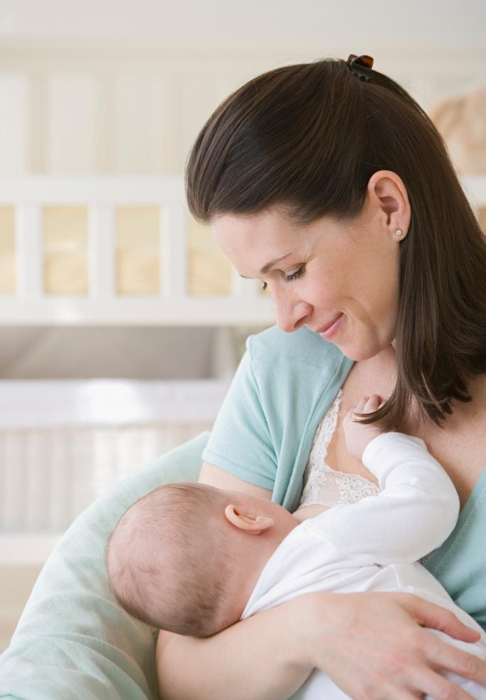 Можно ли кормить грудью на улице   уроки для мам
