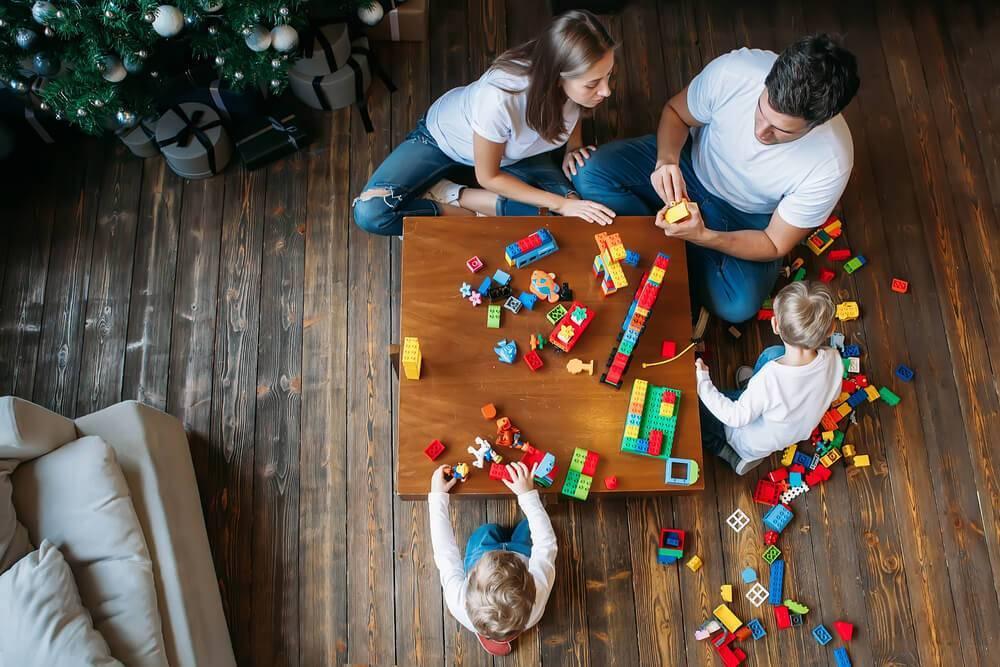 Новогодние каникулы с детьми: 23 идеи, как весело провести вместе время и отлично отдохнуть!