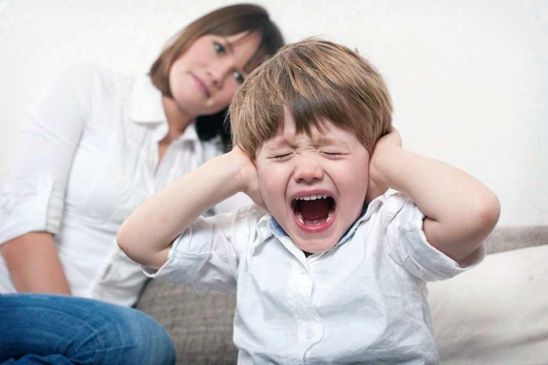 Капризы и детское упрямство в 4 года: как бороться и реагировать?