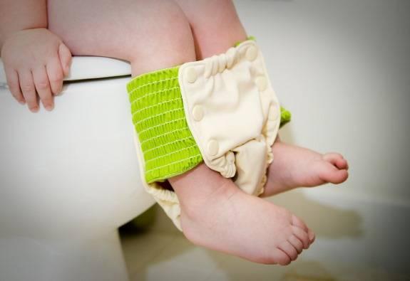 Когда и как отучить ребенка от памперсов?