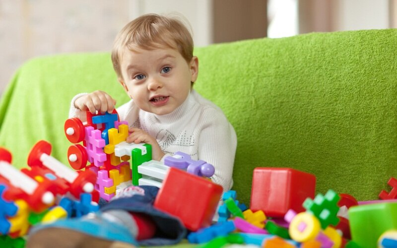 Сколько игрушек нужно ребенку: какие игрушки нужны детям разного возраста