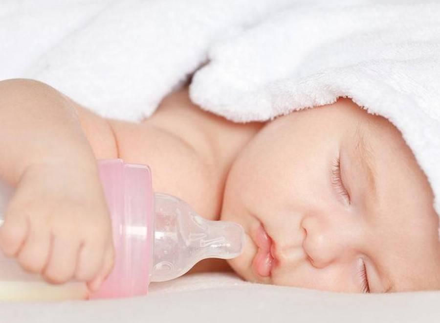 Как приучить недоношенного ребенка к грудному вскармливанию после бутылочки