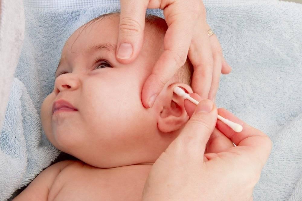 Когда можно чистить ушки новорожденному. как чистить ушки: пошаговая инструкция. правила ухода за ушной раковиной новорожденного