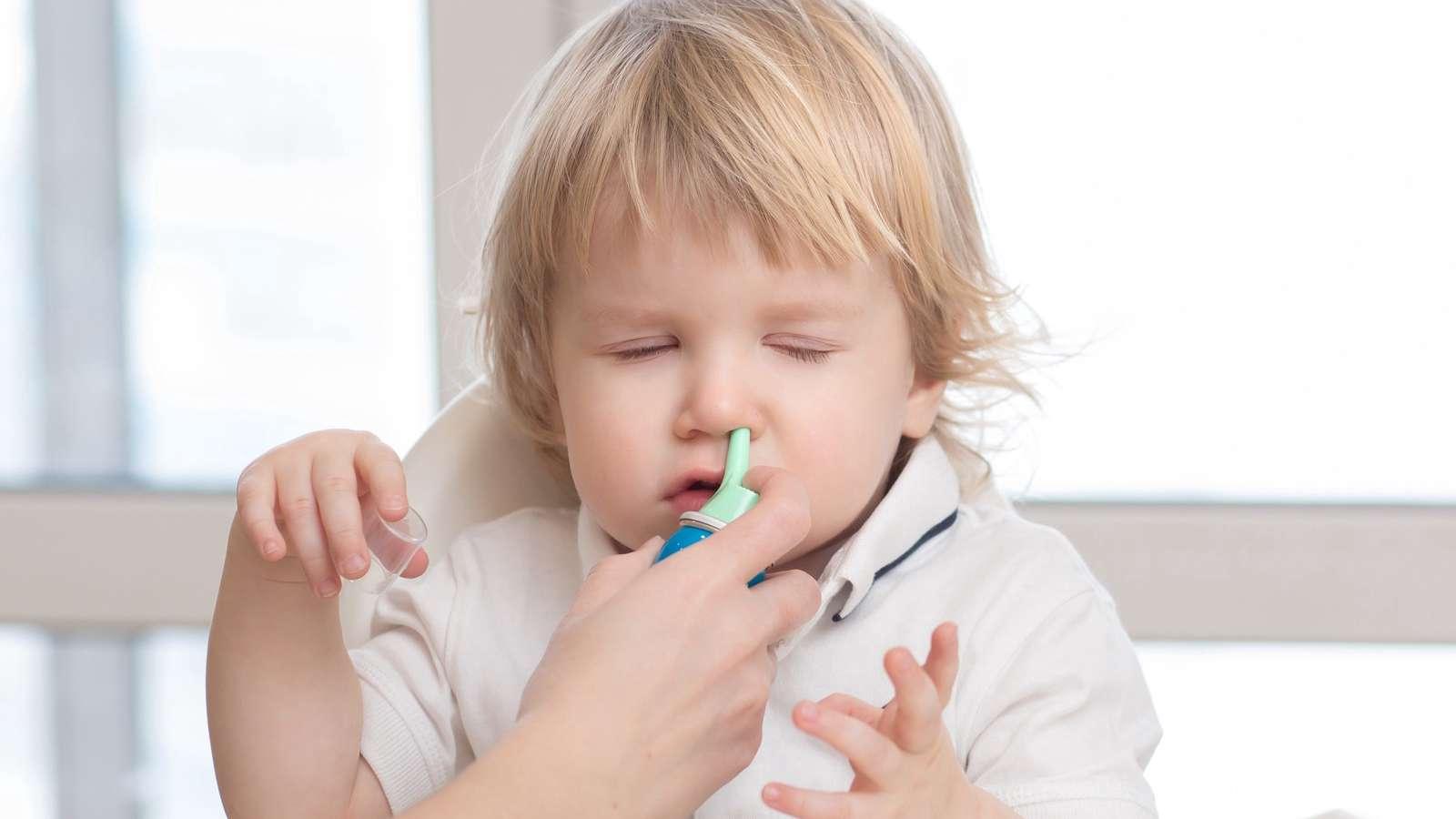 Почему у ребенка при простуде и орви гноятся глаза
