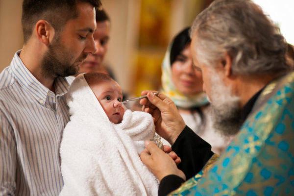 Можно ли у нескольких детей быть крестным, функции и обязанности духовных родителей