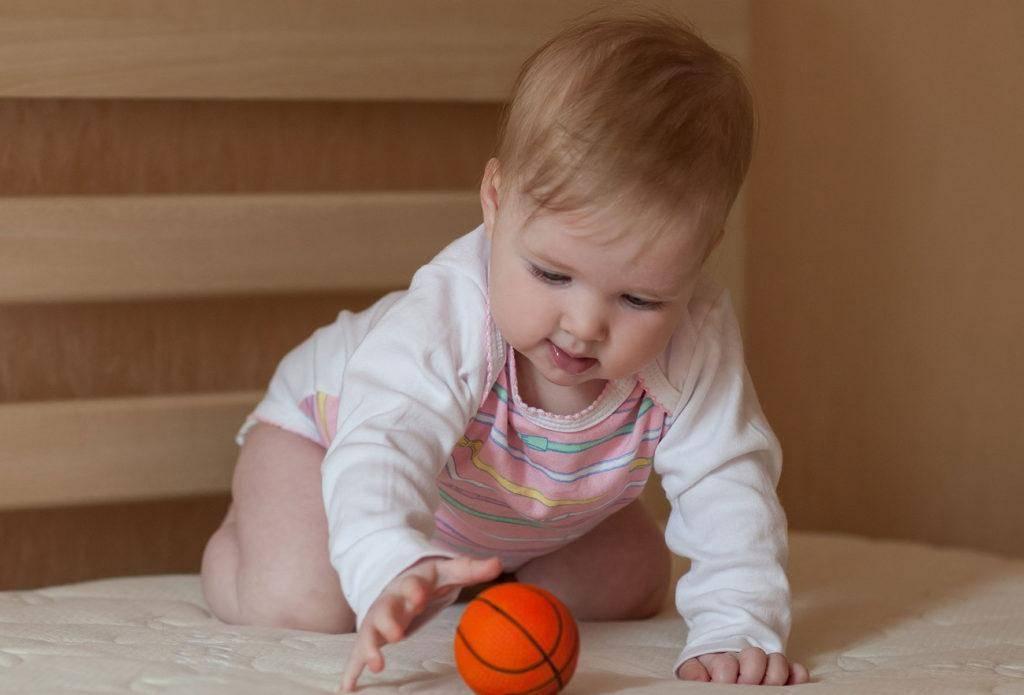 Что должен уметь ребенок в три месяца: особенности развития младенца