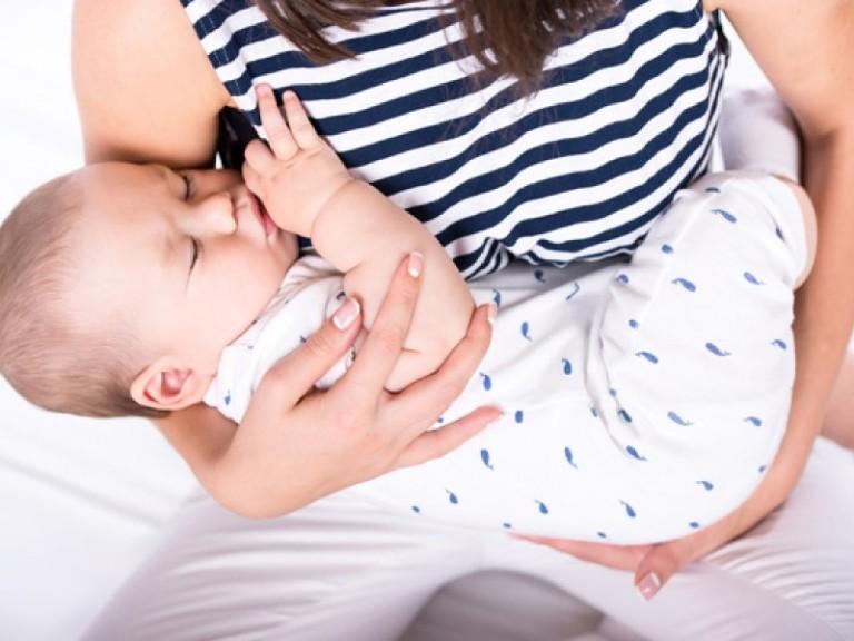 Как правильно укачивать ребёнка: 3 способа укачивания на руках и 9 полезных приспособлений