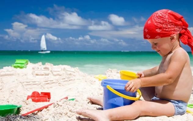 Безопасность детей на пляже: доктор комаровский рассказал, как предотвратить утопление