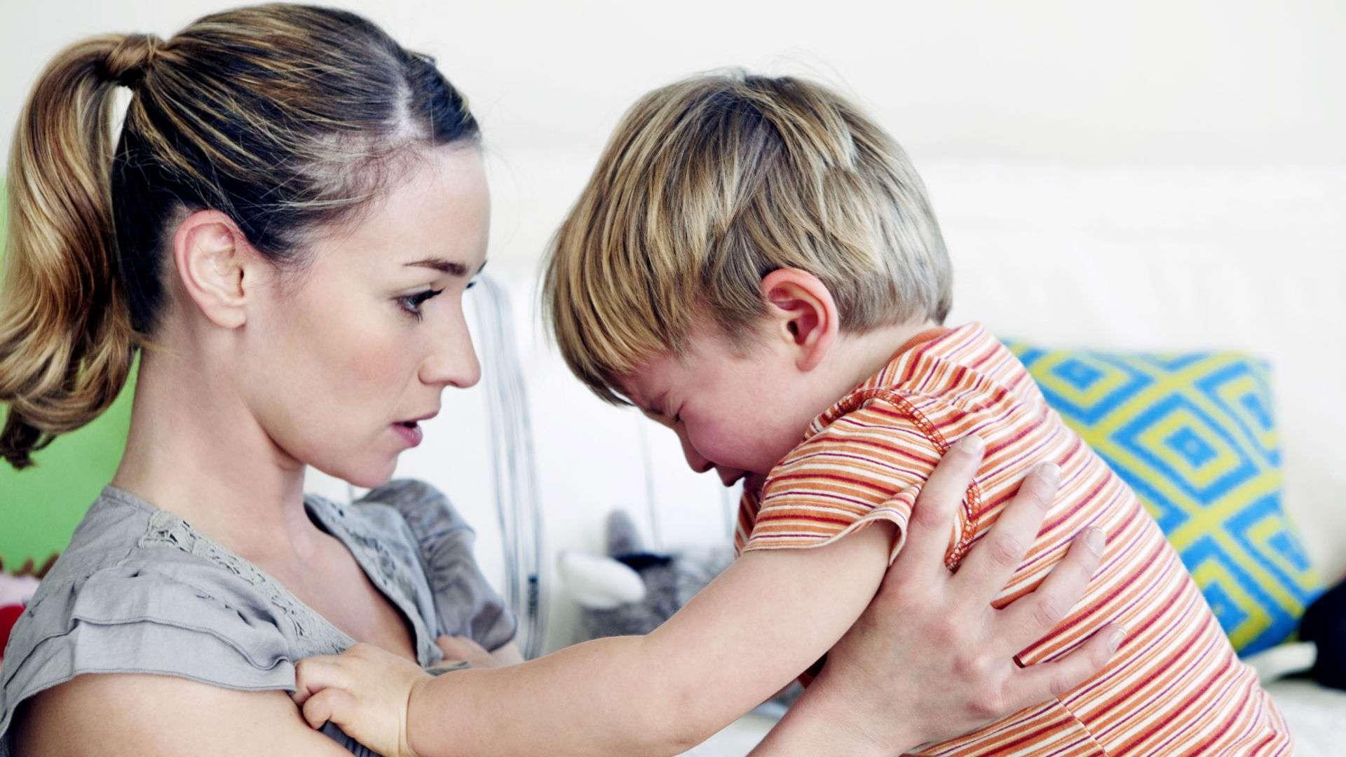 Основные причины и способы устранения детской истерики