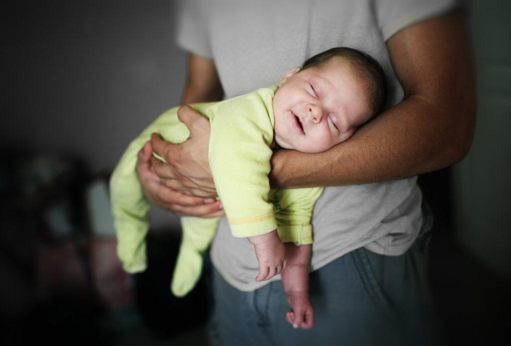 Почему ребенок плохо спит ночью: грудной, новорожденный, советы