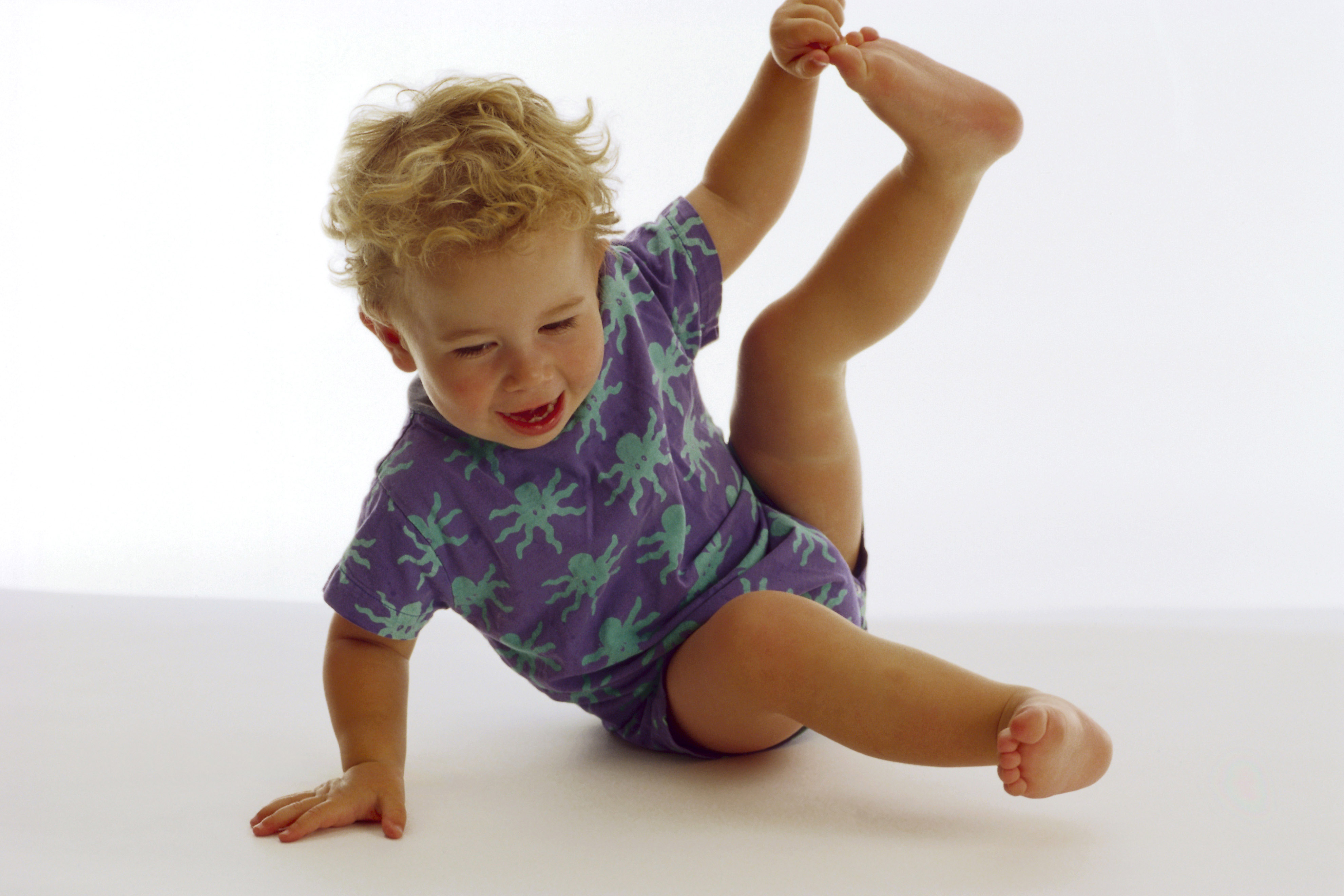 Третий месяц развития малыша: что должен уметь делать ребенок в этом возрасте?