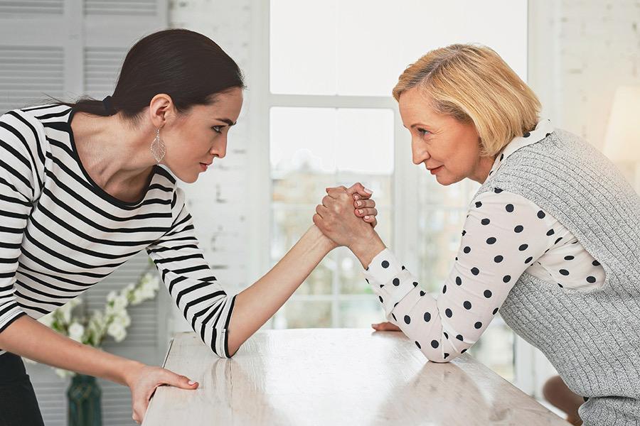 Как выстроить отношения с невесткой: шесть полезных советов для свекрови