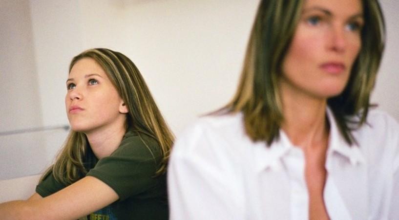 5 родительских ошибок, которые вызывают у ребенка тревогу