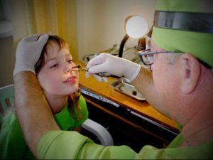 Как лечить аденоиды 3 степени у ребенка без операции и возможно ли это
