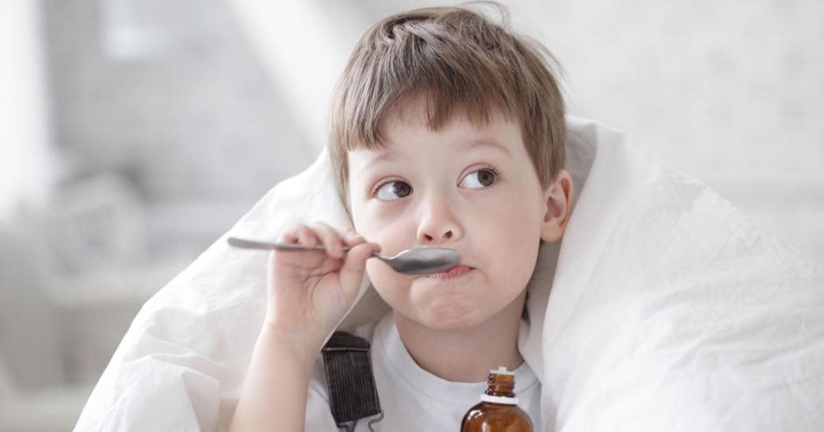 Как научить ребенка глотать таблетки - советы мамам
